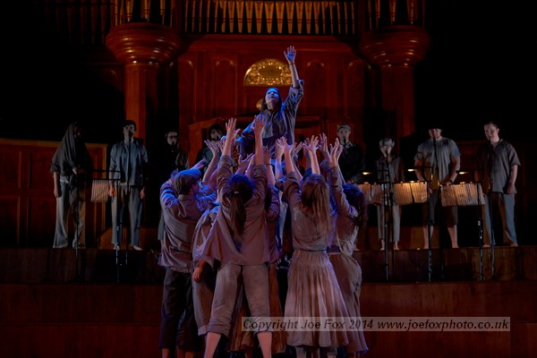 DUDance performs a version of their piece 'Merge' at the Allianz Arts and Business NI Awards ceremony, Ulster Hall Belfast, 6th February 2014