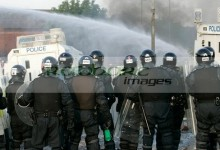 belfast riots with riot police and water cannon